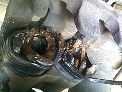 Rear brakcaliper pistons literally shattered... Never seen anything like this before!-0317121302.jpg