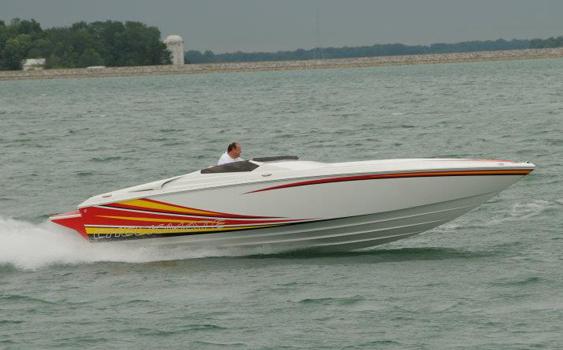 The 26 Convincor reportedly runs 70 mph on a 430-hp MerCruiser engine.