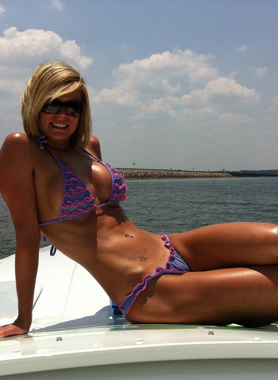 Meet Miss Keli Our Stocking Stuffer Boater Girl Of The Week