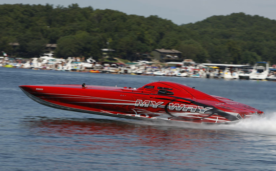 The defending Top Gun champion from the 2011 Lake of the Ozarks Shootout, Bill Tomlinson is planning to return to the event this year in My Way, his 50-foot Mystic Powerboats catamaran. (Photo courtesy of Robert Brown.)