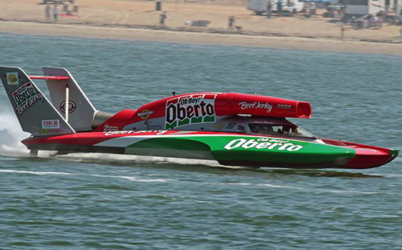 World champion throttleman Nigel Hook came out to San Diego Bayfair to watch and support his former offshore racing teammate in the final race of his career. (Photo by Jason Johnson.)