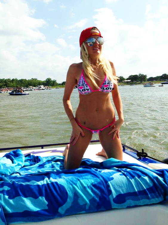 20_BoaterGirlBrittany01