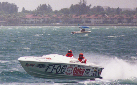 DeCiuicies and Miklos scored a Perfect Season in 2003 aboard Extreme Vortec