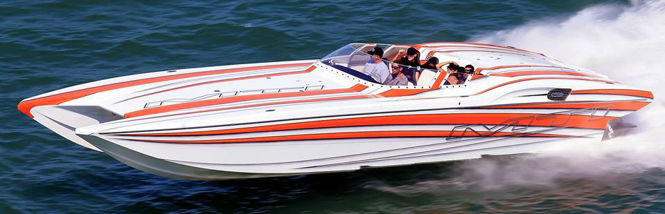 """Eric and Keri Belisle had a blast running their """"new"""" 2008 MTI that was delivered just before the Fort Myers Offshore Sarasota Fun Run last weekend. Photo by Pete Boden/Shoot 2 Thrill Pix (https://www.facebook.com/pages/Shoot-2-Thrill-Pix/130528070292399)"""
