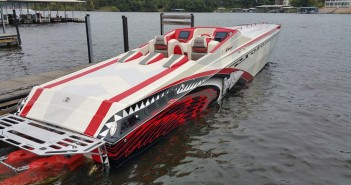 The 42 Warrior from Chief Powerboats was an attention-getter during the Lake of the Ozarks Shootout thanks to its stunning paint job from The Art of Design. (Photo: Chief Powerboats)
