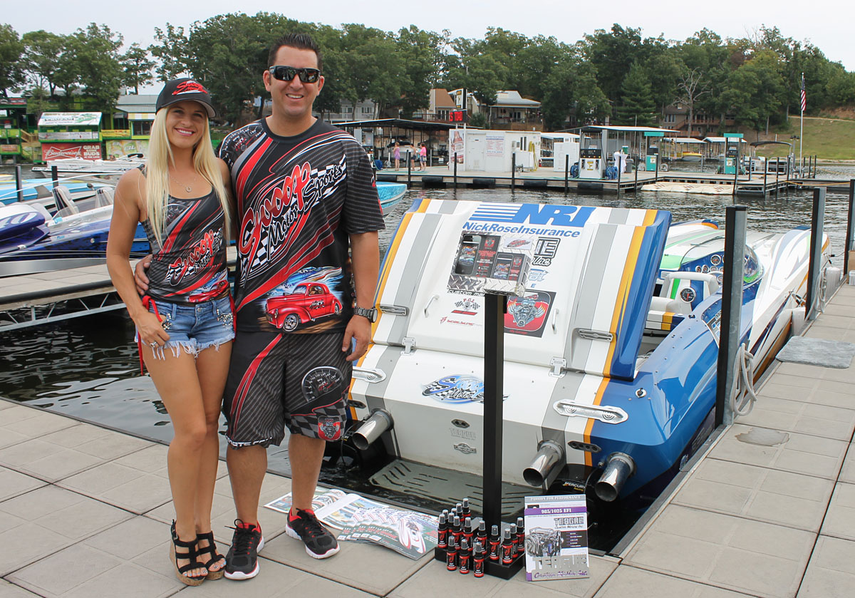 Summer and Travis Richardson will be running at full speed this year campaigning both the Skater and their 32-foot DCB, which Summer ran up to 147 mph at the 2015 Lake of the Ozarks Shootout. Photo by Jason Johnson/Speedonthewater.com