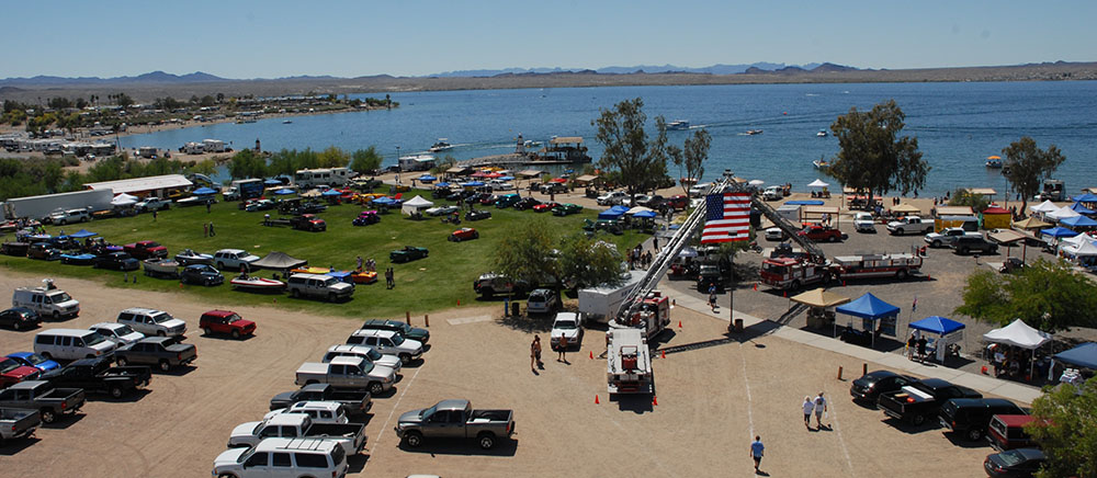 The waterfront location of the Lake Havasu Boat Show provides an enticing atmosphere for buying and selling boats.