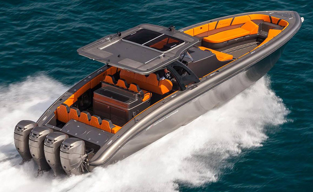 Installed on a Midnight Express 43' Open, the Webasto Series 60 sunroof offers multiple customization options.