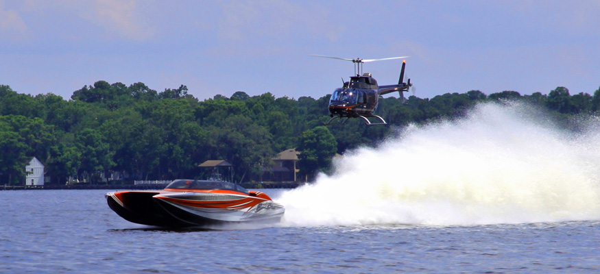 A high-speed or idle, the Jacksonville River Rally remains as casual event at the start of the boating season. Photo by Yvonne Aleman.