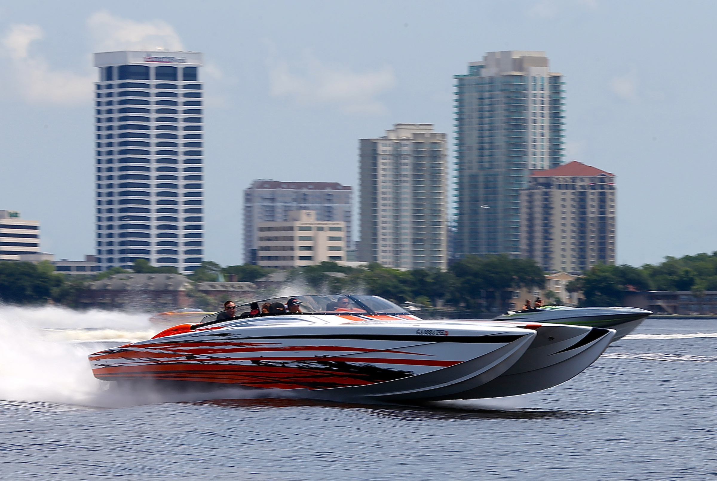 Meanwhile, some 900 miles south of Lake Erie a healthy contingent of go-fast powerboat enthusiasts took to the water on the St. Johns River in Florida during the Jacksonville River Rally Fun Run. Photo by Pete Boden. (https://www.facebook.com/Shoot-2-Thrill-Pix-130528070292399/)