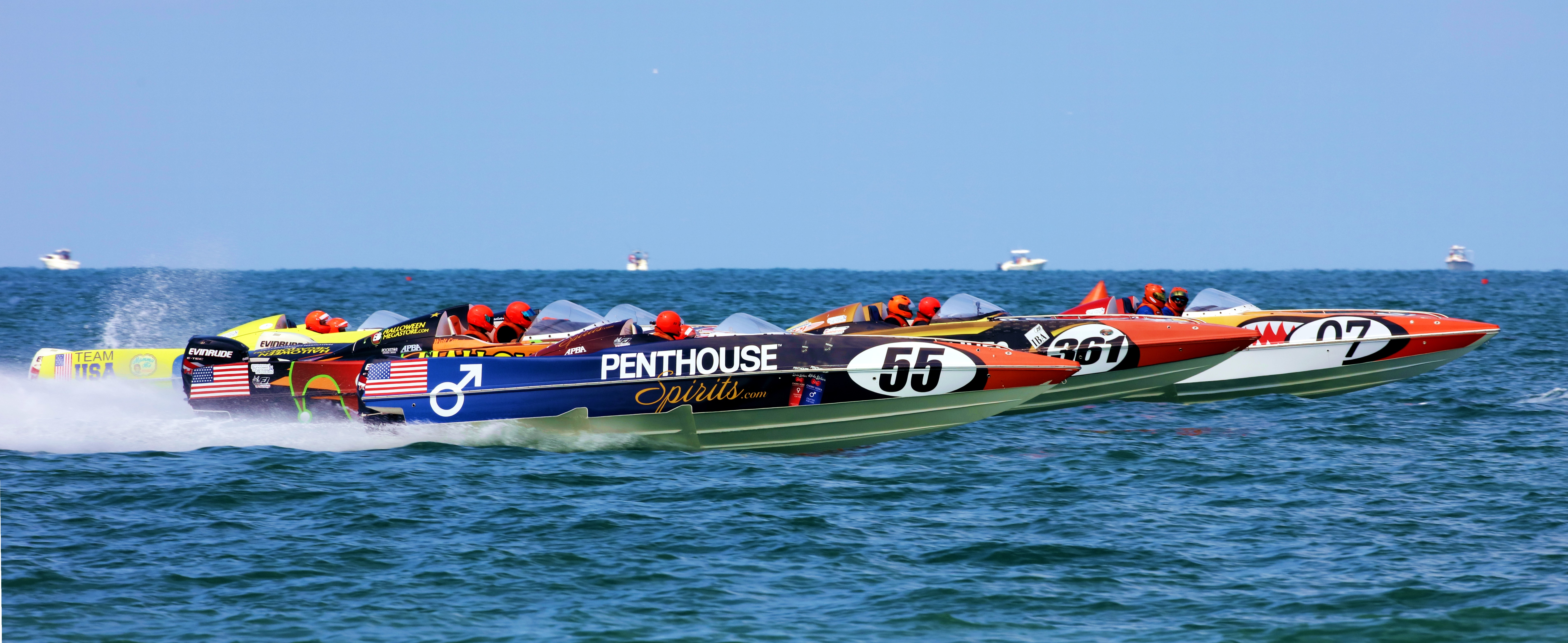 Between Saturday and Sunday, there were five Powerboat P1 SuperStock races on Sarasota Bay.