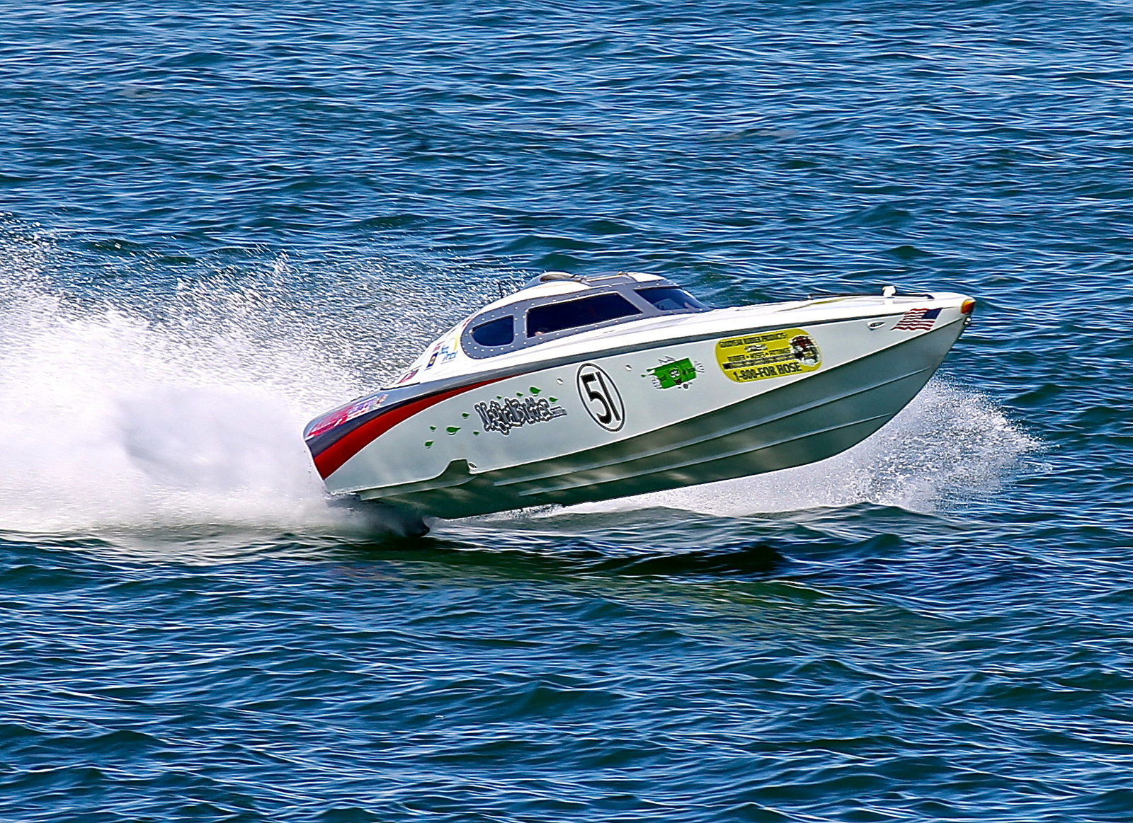 Even one day of rough water during the SBI Key West Worlds delivers a big advantage to Steve Miklos in the Superboat Vee-class Sun Print boat.