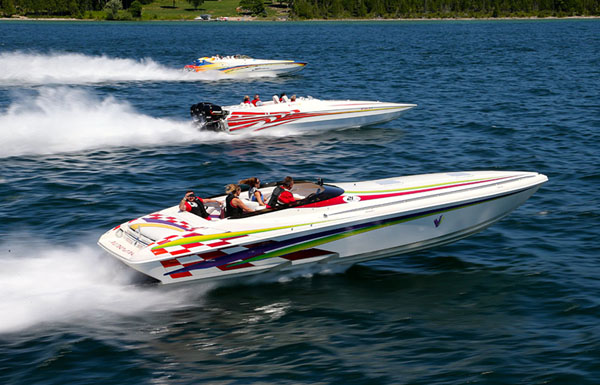 Will this awesome shot from the Boyne Thunder Poker Run make it into the Speed On The Water 2016 Year In Review magazine? You'll have to buy one to find out.